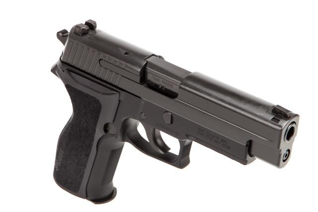 sig-sauer-p226-9mm-4-4-nitron-blk-e26r-9-bss-by-sig-sauer-efe