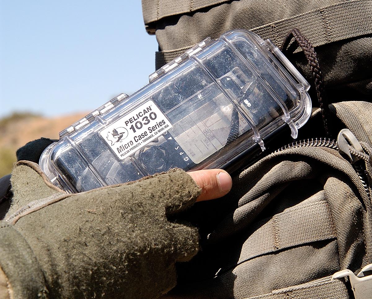 pelican-military-waterproof-card-1030-case